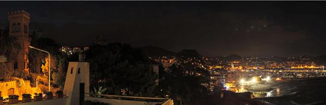 Imperia bei Nacht
